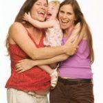 La justicia italiana reconoce los derechos parentales de dos mujeres que tuvieron un hijo por reproducción asistida en España