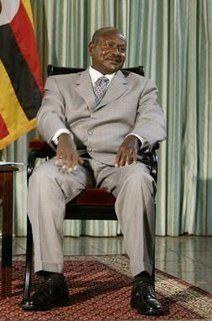 Yoweri Museveni presidente Uganda
