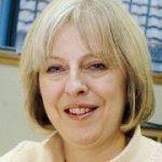 La ministra británica de Interior e Igualdad promete avanzar hacia el matrimonio igualitario