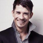 Impiden que el Parlamento de Sudáfrica apruebe una moción de felicitación a Francois Nel, nuevo Mister Gay World