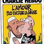 Un apasionado beso gay entre un musulmán y un redactor, la respuesta de 'Charlie Hebdo' al atentado de París