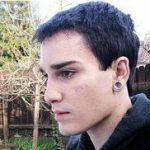 Nuevo suicidio de un joven gay tras años de acoso por parte de su familia, que intentó exorcizarlo, y de sus compañeros de clase