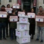 CESIDA entrega en el Ayuntamiento de Madrid 80.000 firmas a favor de que las personas con VIH puedan ser taxistas