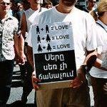 Armenia: las amenazas de grupos extremistas impiden la proyección de una comedia serbia de temática gay