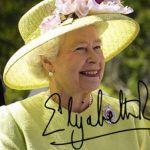 La reina Isabel II sanciona la ley escocesa de matrimonio igualitario