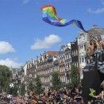 De Boer, Kluivert, van Gaal… El fútbol holandés apoya al Orgullo LGTB de Ámsterdam, donde también se ha denunciado la situación en Rusia