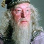 J. K. Rowling declara que de todos los personajes de Harry Potter al que más echa de menos es a Dumbledore, el mago homosexual