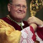 """El arzobispo de Nueva York dice que el papa Francisco """"estudiará"""" las uniones civiles entre personas del mismo sexo"""