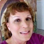 La profesora suspendida en Texas por su condición de mujer transexual regresa a una posición fuera del aula