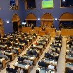 El Parlamento de Estonia trabaja en el borrador de una ley de uniones abierta a parejas del mismo sexo