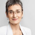 Ulrike Lunacek, una de las políticas europeas más comprometidas con la igualdad LGTB, atacada con ácido durante el Orgullo de Viena