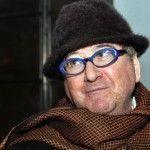 Luis de Villena (escritor): «Cuando salí del colegio dejé de ser católico a los dos meses»