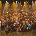 Precioso momento televisivo: un coro de doscientas personas trans arropa a uno de los personajes transexuales de «Glee»