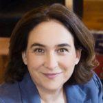 La alcaldesa de Barcelona, Ada Colau, revela en una entrevista televisiva que mantuvo una relación estable con otra mujer