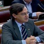 Agustín Conde, el senador del PP que argumentó que el 29% de hijos de parejas homosexuales son violados por sus padres, secretario de estado de Defensa