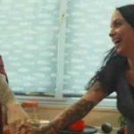 Una pareja lésbica en la campaña publicitaria de McCain dedicada al amor y la diversidad