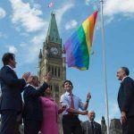 La bandera arcoíris ondeará frente al Parlamento de Canadá durante el mes del Orgullo