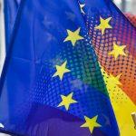 Una encuesta a 140.000 personas LGTBI toma la temperatura al acoso y la discriminación en Europa