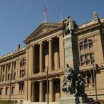 La Corte Suprema de Chile revoca la decisión de un tribunal inferior y ordena que se admita a trámite el recurso de una pareja gay a la que no se permitió contraer matrimonio