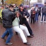 Ataques y detenciones en Rusia en la conmemoración del Día de Salir del Armario