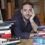 Gabriel J. Martín (psicólogo): «Grindr es, para la mayoría de gente, el Wallapop del sexo gay»