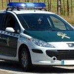 La Guardia Civil detiene en Sevilla a tres jóvenes que agredieron a un hombre con el que contactaron a través de una web de citas