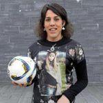 Izaro Antxia, primera futbolista transexual federada que disputa un partido oficial