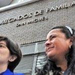 Hito judicial en Chile: otorgan el cuidado de una menor a su madre no biológica tras su ruptura con la madre biológica