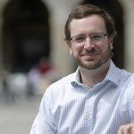 El candidato del PP a la alcaldía de Vitoria expresa su desacuerdo con la posición de Rajoy sobre el matrimonio homosexual