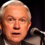 Jeff Sessions, uno de los políticos en activo más claramente anti-LGTB de los Estados Unidos, confirmado por el Senado como nuevo fiscal general