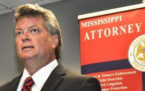 Jim Hood, fiscal general de Mississippi