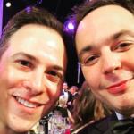 Jim Parsons (Sheldon en «The Big Bang Theory») contrae matrimonio con Todd Spiewak, su novio desde hace catorce años