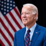 Joe Biden revoca la prohibición a las personas trans de servir en el Ejército, una de las medidas «estrella» de Trump en su estrategia anti-LGTBI