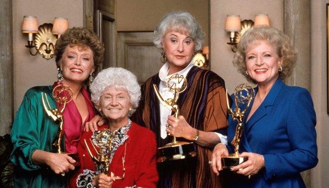 Los guionistas de las chicas de oro trabajan en una comedia sobre un grupo de mayores gais - Las chicas de oro espana ...