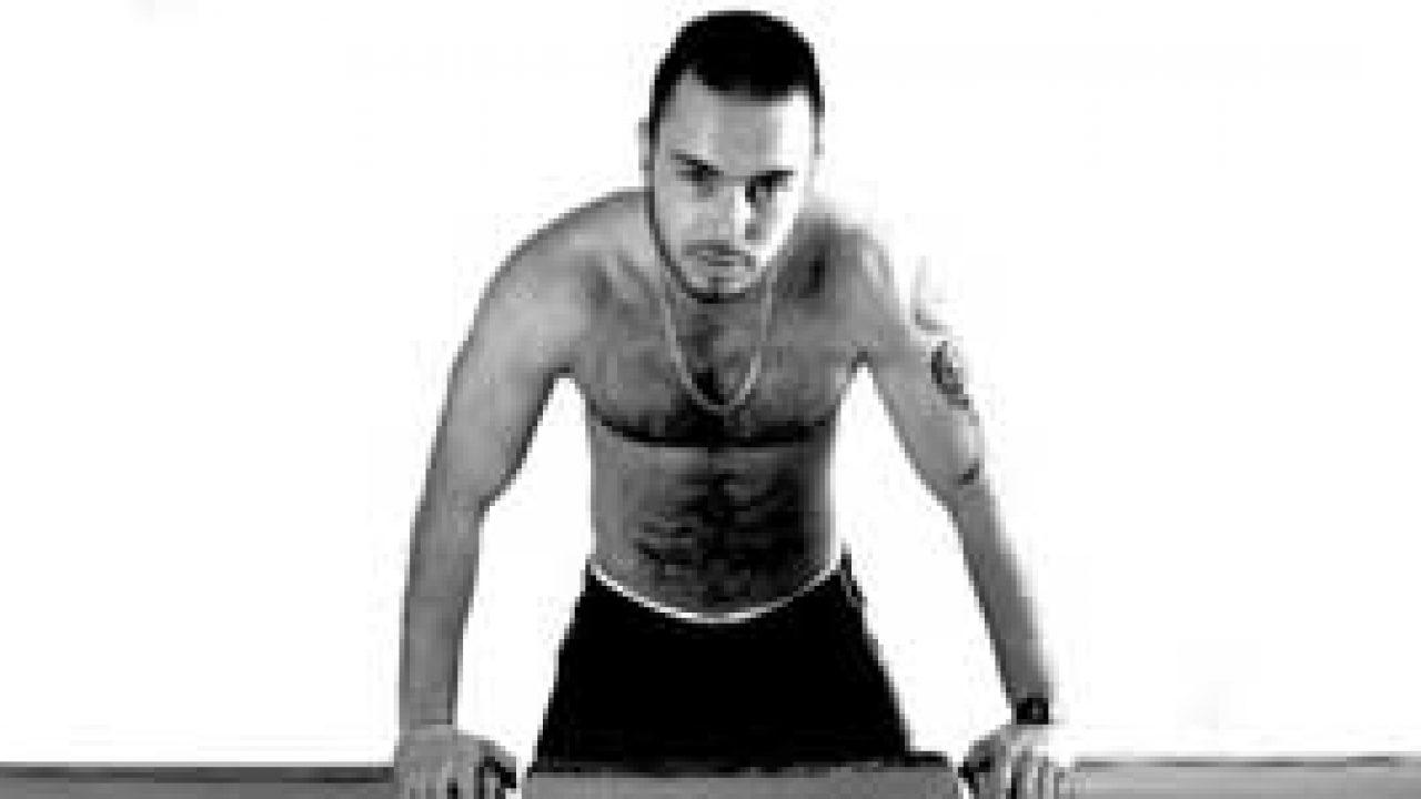 Actores Porno Españoles Bodybuilder macanao torres (actor porno): «el que está a mi lado, o
