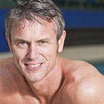 El seis veces campeón del mundo de natación olímpica Mark Foster sale del armario como gay