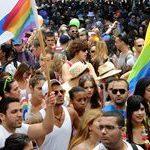 Jerusalén celebra el Orgullo LGTB más multitudinario de su historia un año después del asesinato de la joven de 16 años Shira Banki