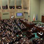 El Parlamento de Polonia vota a favor de la iniciativa de una organización LGTBIfoba para criminalizar la educación sexual