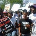 Sudáfrica: condenado a 30 años de prisión por la «violación correctiva» y el asesinato de una joven lesbiana