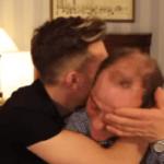 Un padre cuenta en YouTube que pensó en suicidarse cuando supo que su hijo era gay… Hoy le acompaña a las marchas del Orgullo