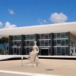 El Supremo brasileño equipara la homofobia y la transfobia al racismo, una decisión que Bolsonaro califica como «completamente equivocada»