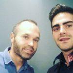 Iniesta transmite a Jesús Tomillero su preocupación por la homofobia en el fútbol: «Mira lo que te pasa a ti, imagínate lo que nos pasaría a nosotros»