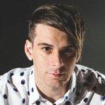 Un popular cantante de rock cristiano sale del armario
