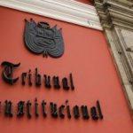El Tribunal Constitucional de Perú, obligado a decidir sobre la inscripción de un matrimonio entre dos hombres celebrado en México