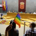 Navarra aprueba, con el único voto contrario del PP, una avanzada ley foral de igualdad y contra la discriminación de las personas LGTBI