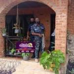 Las fuerzas de seguridad asaltan y clausuran el local de un colectivo LGTBI en Ghana después de que líderes cristianos y musulmanes reclamasen su cierre
