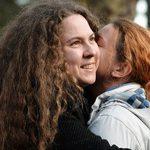 Una pareja de mujeres lleva por primera vez ante los tribunales de Bulgaria el derecho al matrimonio igualitario