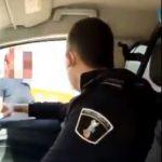 En libertad con cargos el policía local de Benidorm cuyas imágenes vejando a una mujer trans se viralizaron en redes sociales