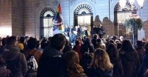 concentración Plaça Sant Jaume contra acoso por LGTBIfobia
