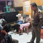 La LGTBfobia de Estado no cesa en Indonesia: detenidas este domingo diez mujeres, acusadas de «conducta lésbica»